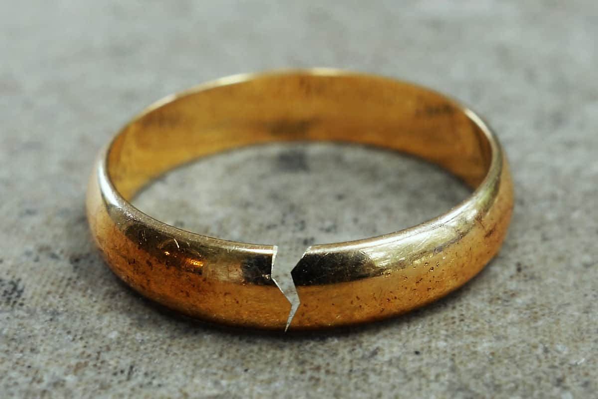A broken wedding band