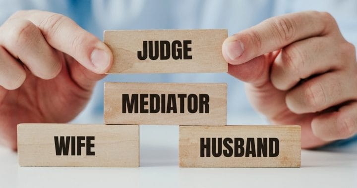 An attempt to mediate during a divorce and the last resort, that is the Court. Arranged blocks with the words Husband, Wife, Mediator and the Court. The order of the proceedings in family conflict.